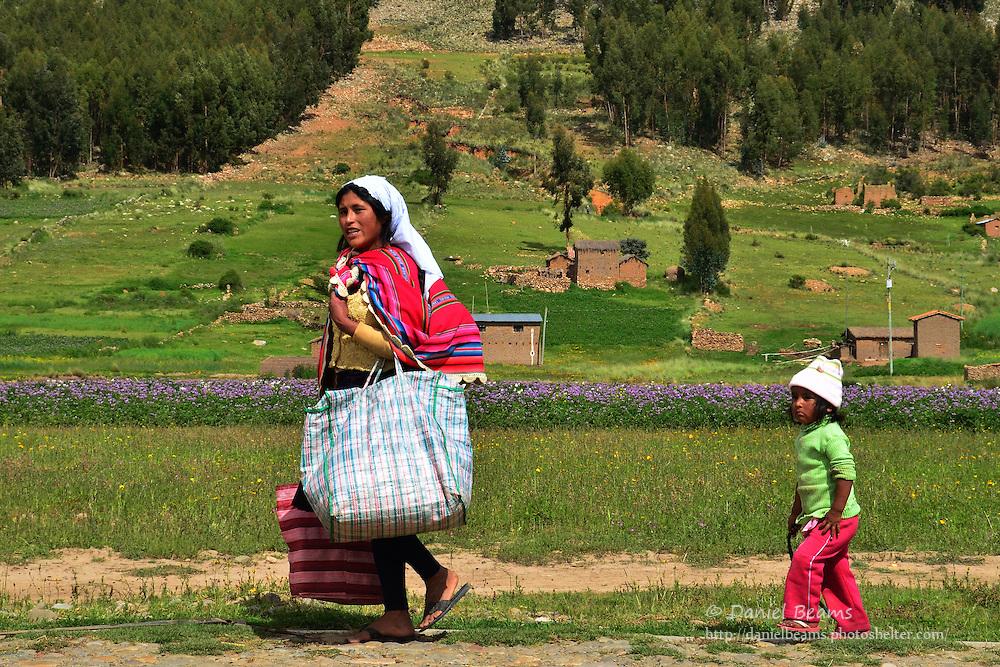Quechua woman and child near Vacas, Cochabamba, Bolivia