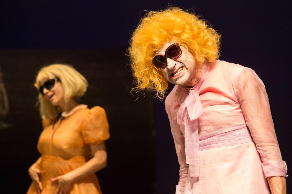 Germany - Deutschland - THEATRE - Theater, Volksbühne, Volksbuehne Berlin am Rosa-Luxemburg-Platz - PFUSCH von Herbert Fritsch (Director & Stage), Costumes: Victoria Behr; Dramaturg: Sabrina Zwach; Berlin, 23.11.2016