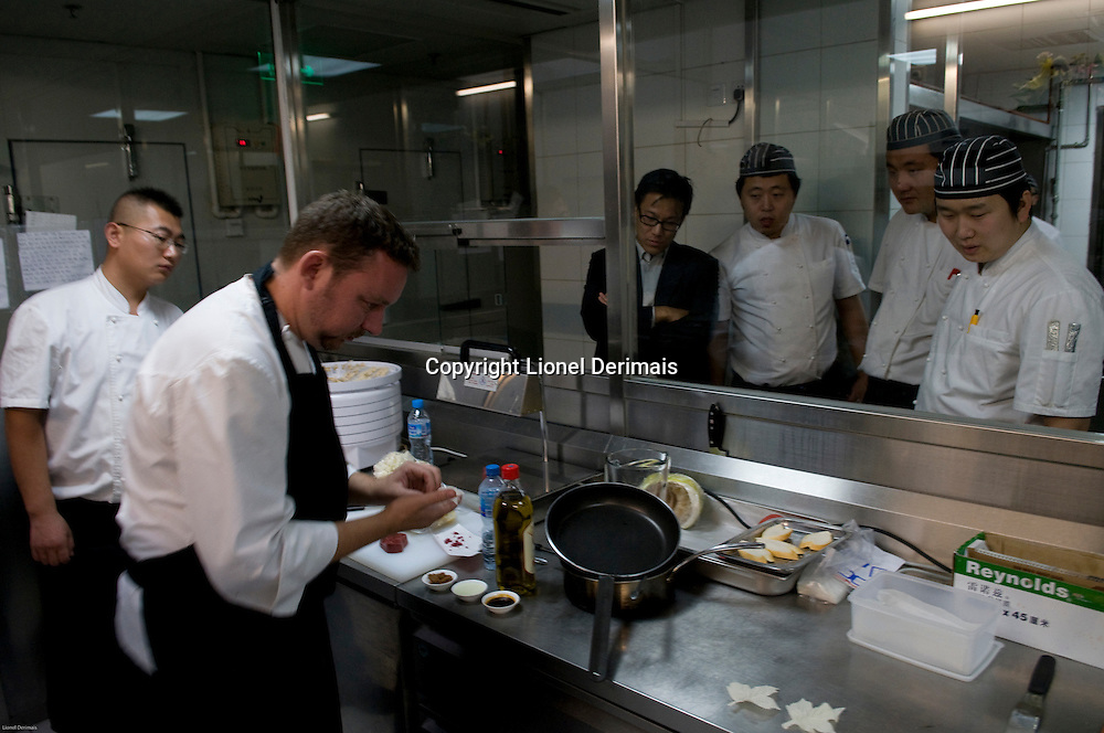 Spanish chef Albert Adria of restaurant El Bulli in Northern Spain was in Beijing at UCCA for a 3-day culinary event with chef Brian McKenna and chef Dadong. During those 3 days he was working with Gianluigi Bonelli.