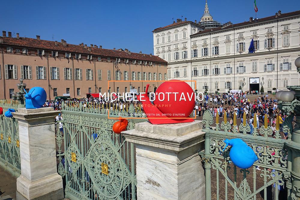 Le chiocciole di Slow Food in Piazza Castello a Torino in occasione di Terra Madre Salone del Gusto 2016.