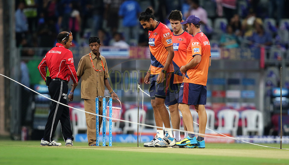 Ishant Sharma of Pune Supergiants before the match during match 1 of the Vivo Indian Premier League ( IPL ) 2016 between the Mumbai Indians and the Rising Pune Supergiants held at the Wankhede Stadium in Mumbai on the 9th April 2016<br /> <br /> Photo by Rahul Gulati/ IPL/ SPORTZPICS
