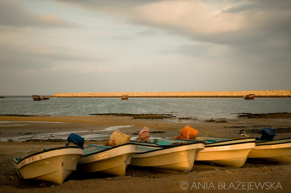 Oman, al-Ashkarah. Boats on the beach. Most inhabitants of this small village at the Arabian Sea is involved in fishing.