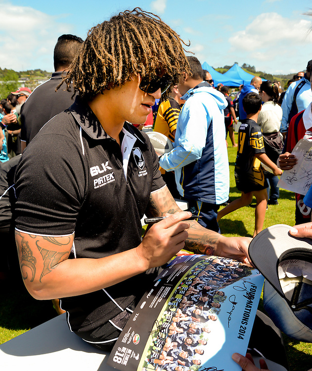 Kiwi Rugby League player Kevin Proctor signing autographs at a Northland primary schools rugby league tournament at Kennsington Park, Whangarei, New Zealand, Thursday, October 30, 2014.  Credit:SNPA / Malcolm Pullman