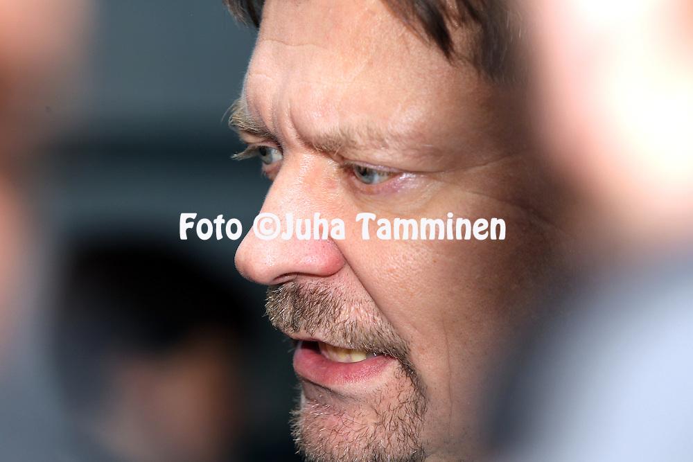 10.11.2011, Hartwall-Areena, Helsinki, Finland..Euro Hockey Tour - Karjala-turnaus 2011. Suomi - Venj / Finland v Russia..Valmentaja Jukka Jalonen - Suomi..