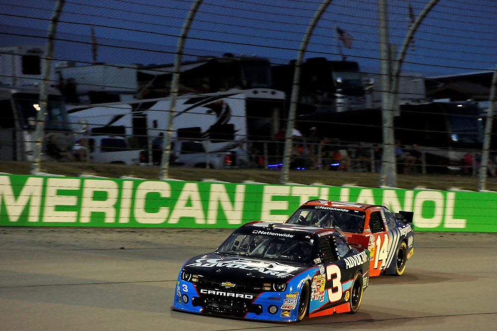 2-3 August, 2013, Newton, Iowa USA<br /> Austin Dillon, Eric McClure<br /> &copy;2013, Scott R LePage<br /> LAT Photo USA