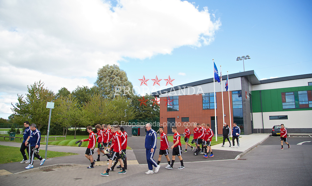 NEWPORT, WALES - Wednesday, September 24, 2014: Wales players before a training session at Dragon Park ahead of the Under-16's International Friendly match against France. (Pic by David Rawcliffe/Propaganda)
