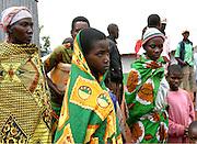 Returnees from Tanzania in transit. 27 October 2004. ONUB/Martine Perret