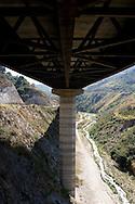 Detail of the venezuelan major bridge called viaduct #1. This bridge is the key route to the country's main airport in Venezuela. Feb 27 2008. (ivan gonzalez).