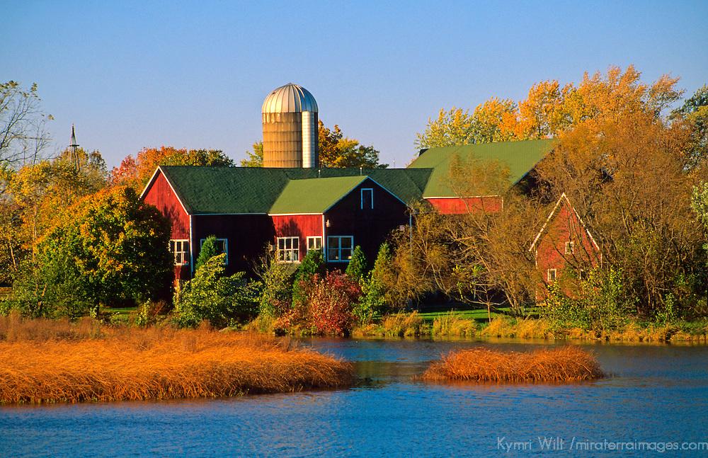 North America, USA, Wisconsin. Red Barn in Autumn.