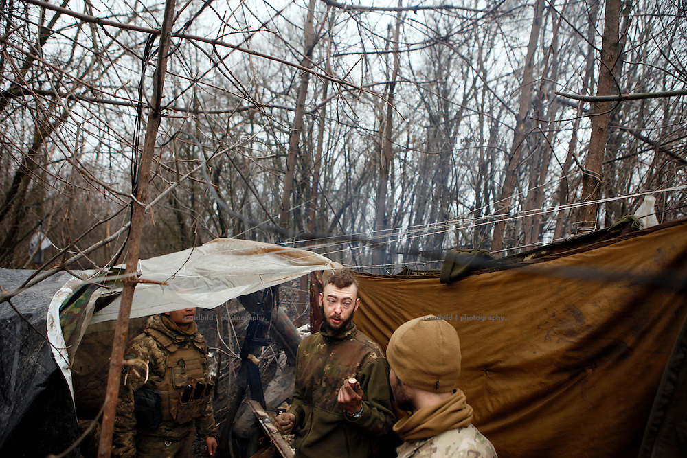 Alex talks to Cowboy in the frontline trench at donetsk frontline.<br />