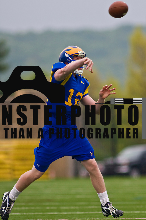 4/21/10 Newark DE: QB (#12) Stephen Richter as The University of Delaware football team, hit the practice field wednesday.