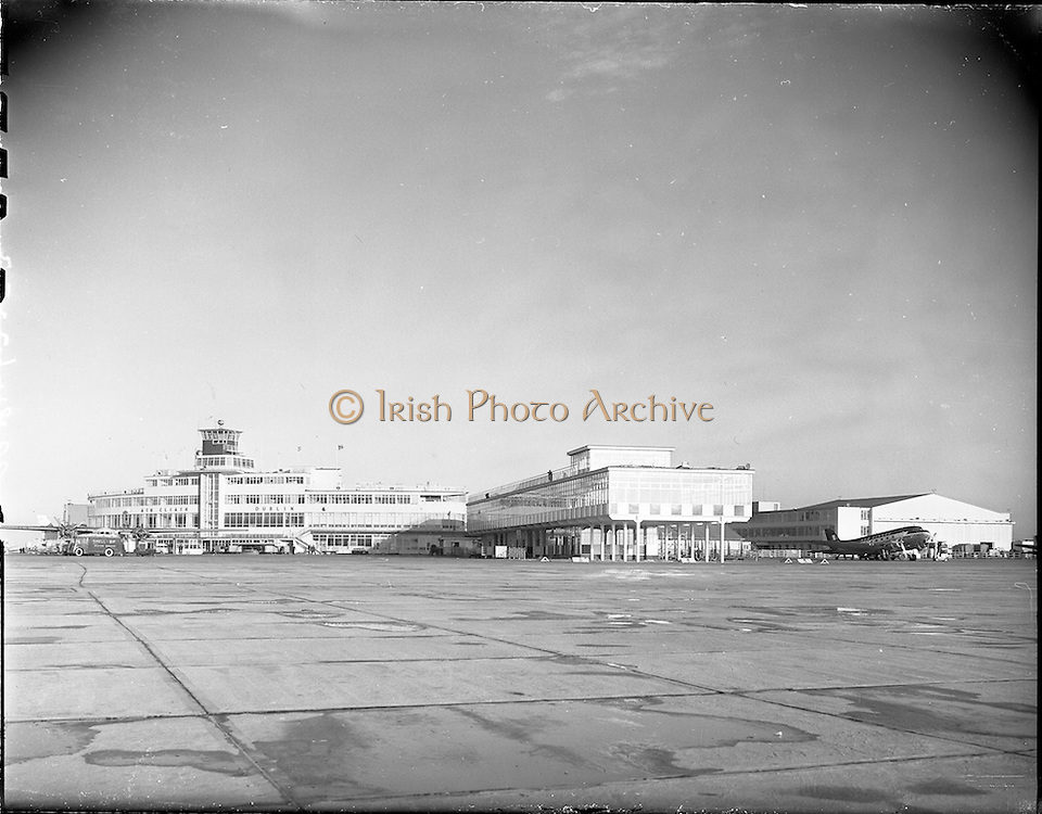 23/11/1961.11/23/1961.23 November 1961.Progress scenes at Dublin Airport.