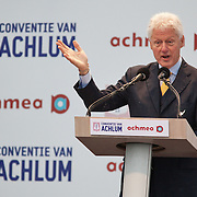 Nederland, Achlum, 28-05-2011 BILL CLINTON SPREEKT OP CONVENTIE VAN ACHLUM.   Verzekeraar Achmea viert vandaag in het Friese dorpje haar 200 jarig bestaan.FOTO: Gerard Til / Hollandse Hoogte