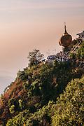 Kyaiktiyo Pagoda (Golden rock)). Mon State, Myanmar