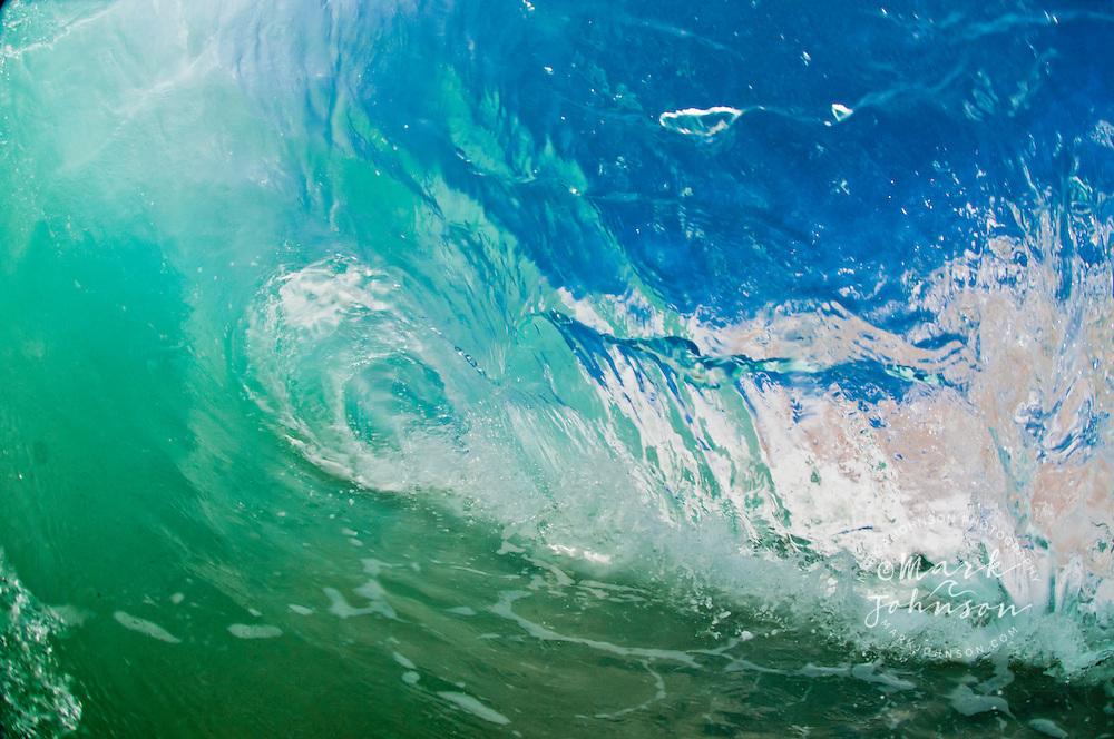 Shorebreak wave, Distilideros, Baja California Sur, Mexico