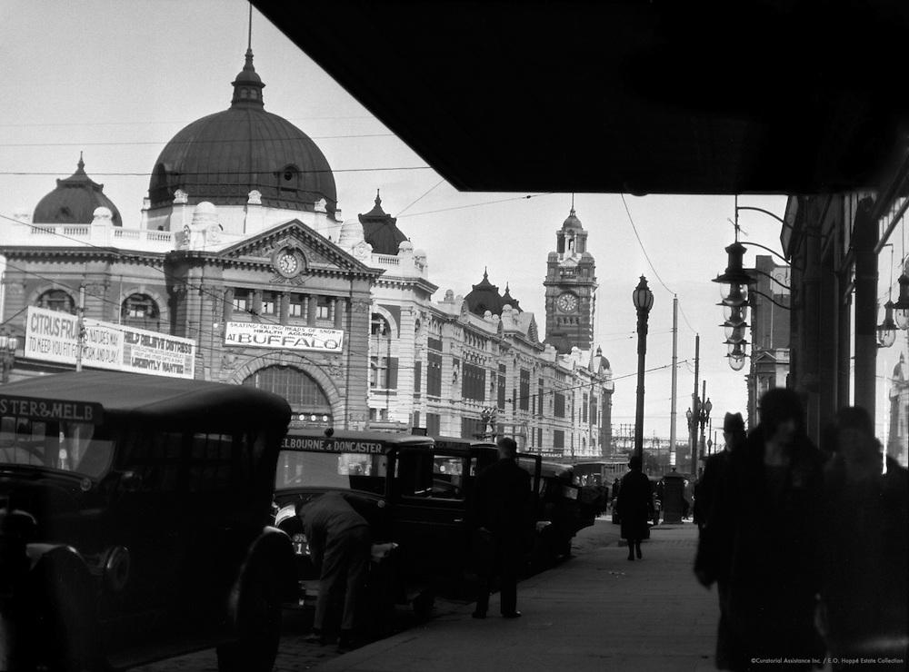 Flinders Street Railroad Station, Melbourne, Australia, 1930