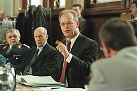 10 JAN 2001, BERLIN/GERMANY:<br /> Rudolf Scharping (2.v.R.), SPD, Bundesverteidigungsminister, Harald Kujat (L), Generalinspekteur der Bundeswehr, Klaus-Guenther Biederbrick (2.v.L.), Staatssekretaer im BMVg, waehrend einer Pressekonferenz zur Verwendung von uranhaltiger Munition, Bundesverteidigungsministerium<br /> IMAGE: 20010110-02/02-28<br /> KEYWORDS: Klaus-G&uuml;nther Biederbrick, Staatssekret&auml;r, General