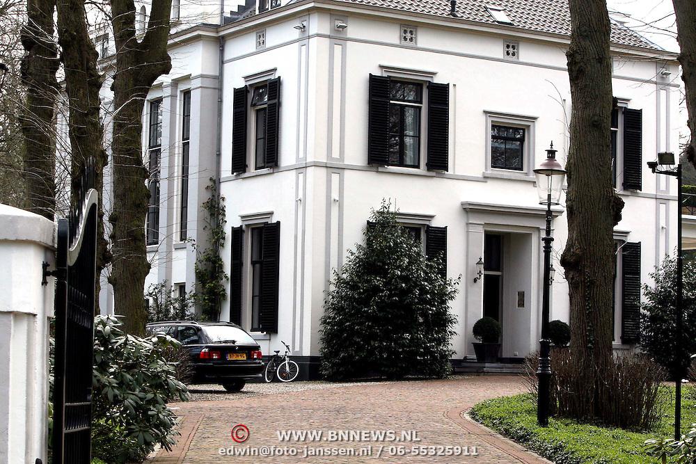 080410 fotopersburo edwin janssen - Huis van de wereldbank ...
