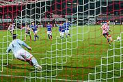 ROTTERDAM - Sparta Rotterdam - Helmond Sport , Voetbal , Seizoen 2015/2016 , Jupiler league , Sparta stadion het Kasteel , 27-11-2015 , Sparta Rotterdam speler Thomas Verhaar (r) schiet de penalty langs Helmond sport keeper Wouter van der Steen (l) en scoort het doelpunt voor de 1-1