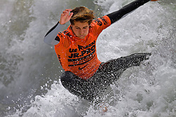 HUNTINGTON BEACH, California/USA (Sunday, July 31, 2011) Evan Geiselman rips a wave during heat1 round 8 the Hurley US Open of Surfing. Photo: Eduardo E. Silva.