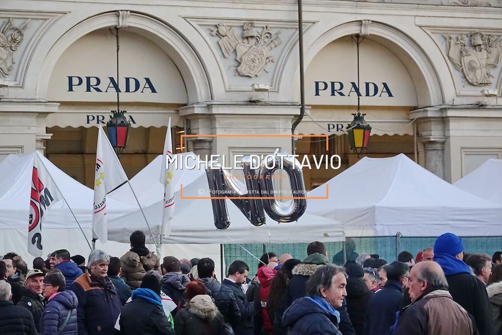 Piazza San Carlo a Torino, manifestazione di chiusura della campagna elettorale del M5S per il NO al Referendum Costituzionale. 2 dicembre 2016