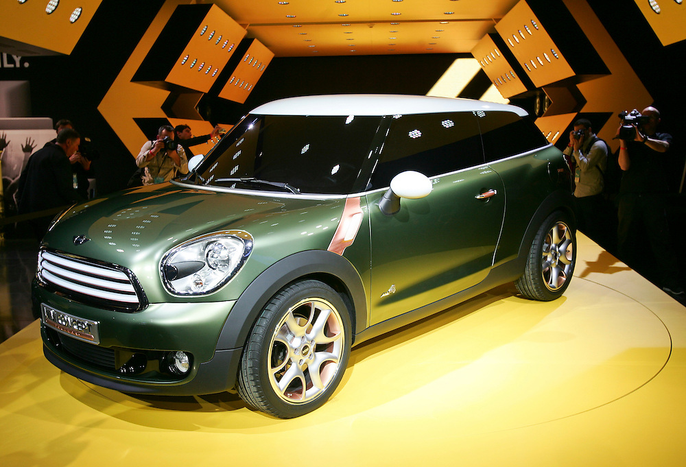 The new Mini Paceman concept car is unveiled during a press conference at  the North American International Auto Show in Detroit, Michigan January 10, 2011.<br /> Geoff Robins AFP