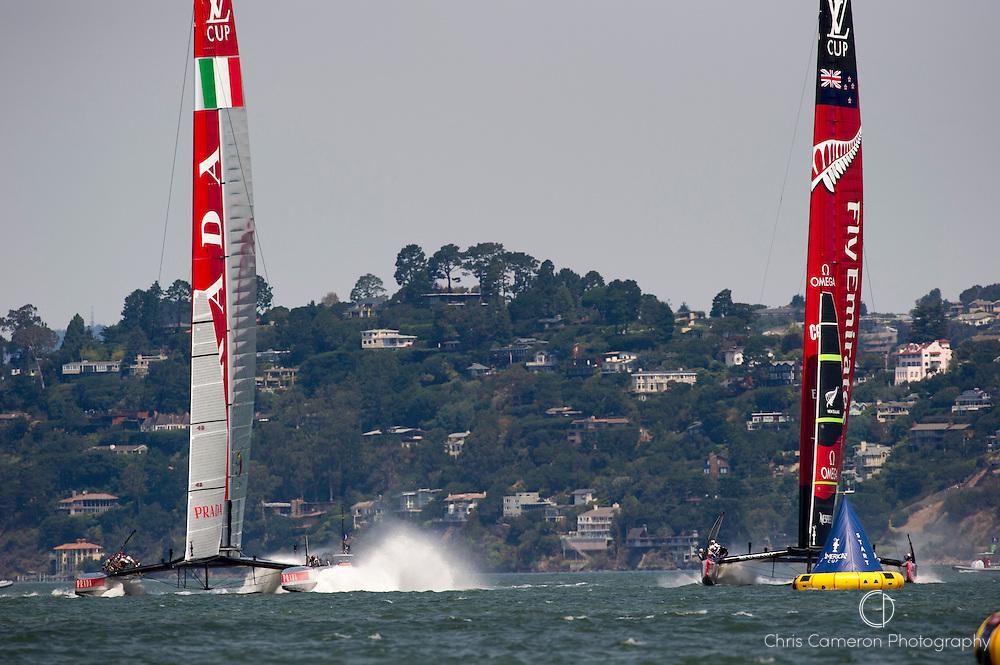 Emirates Team New Zealand and Luna Rossa Challenge (ITA) start race three of the Louis Vuitton Cup finals. 19/8/2013