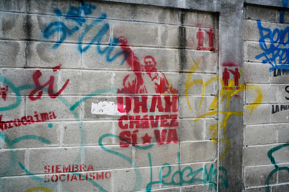 Pro-Chavez graffiti in downtown Caracas.