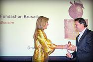21-5-2015 - THE HAGUE Queen M&aacute;xima presented Thursday morning, May 21 Apples of Orange 2015 at Noordeinde Palace in The Hague. His Majesty King Willem-Alexander and princess beatrix was present at the ceremony. COPYRIGHT ROBIN UTRECHT<br /> 21-5-2015 DEN HAAG - Koningin M&aacute;xima reikt donderdagochtend 21 mei de Appeltjes van Oranje 2015 uit op Paleis Noordeinde in Den Haag. Zijne Majesteit Koning Willem-Alexander is bij de uitreiking aanwezig en prinses Beatrix , Koningin Maxima reikt een Appeltje van Oranje uit aan Fundashon Krusada , Stichting New Dutch Connections  tijdens de uitreiking in Paleis Noordeinde. Met de Appeltjes van Oranje bekroont het Oranje Fonds jaarlijks sociale initiatieven die op succesvolle wijze groepen mensen verbinden. Steunstichting Voedsel Focus . COPYRIGHT ROBIN UTRECHT