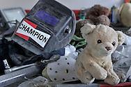 14/02/14 - RIOM - PUY DE DOME - FRANCE - Atelier de la carrosserie d Emilie PLANTIN, jeune femme de 21 ans qui a choisit de s epanouir dans un metier majoritairement masculin - Photo Jerome CHABANNE