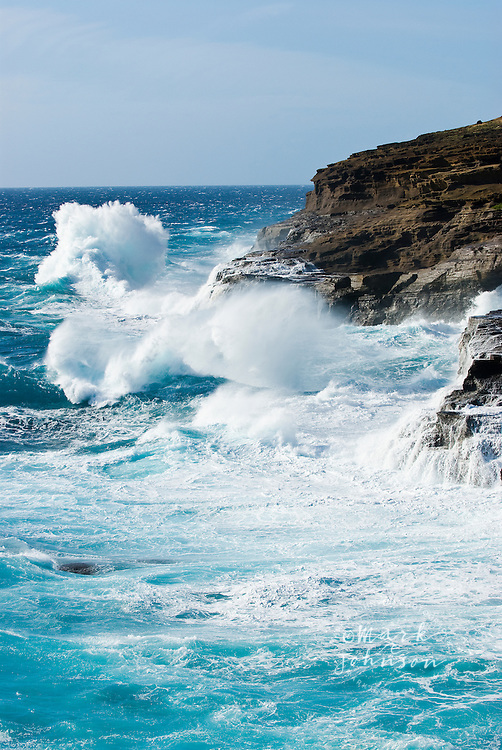 Stormy waves crashing into cliffs off the East Oahu coast, Hawaii