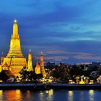 Wat Arun, Bangkok. Copyright 2014 Terence Carter / Grantourismo. All Rights Reserved.