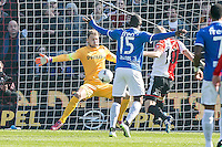 ROTTERDAM  - Feyenoord - PSV , eredivisie , voetbal , Feyenoord stadion de Kuip , seizoen 2014/2015 , 22-03-2015 , enorme kans voor Feyenoord speler Lex Immers (r) direct na de aftrap oog in oog met PSV keeper Jeroen Zoet (l)