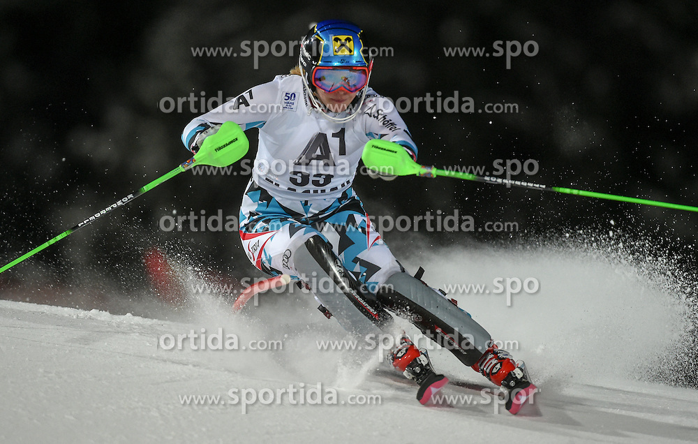 10.01.2017, Hermann Maier Weltcupstrecke, Flachau, AUT, FIS Weltcup Ski Alpin, Flachau, Slalom, Damen, 1. Lauf, im Bild Katharina Gallhuber (AUT) // Katharina Gallhuber of Austria in action during her 1st run of ladie's Slalom of FIS ski alpine world cup at the Hermann Maier Weltcupstrecke in Flachau, Austria on 2017/01/10. EXPA Pictures © 2017, PhotoCredit: EXPA/ Erich Spiess