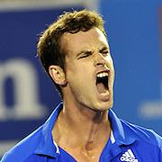 Andy Murray beats Rafael Nadal