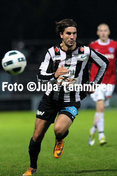 26.9.2011, Hietalahti, Vaasa..Veikkausliiga 2011, Vaasan Palloseura - FC Inter Turku..Valtter Laaksonen - VPS.