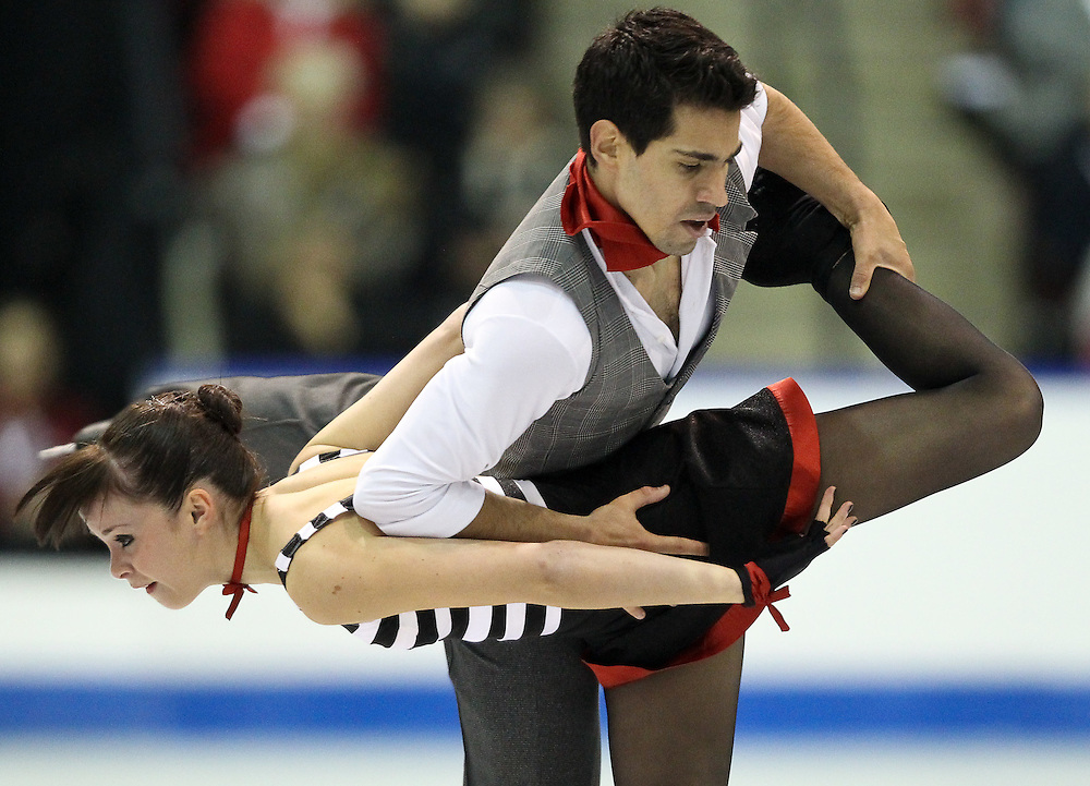 GJR460 -20111030- Mississauga, Ontario,Canada-  Anna Cappellini and Luca Lanotte of Italy perform their free dance at Skate Canada International, in Mississauga, Ontario, October 30, 2011.<br /> AFP PHOTO/Geoff Robins