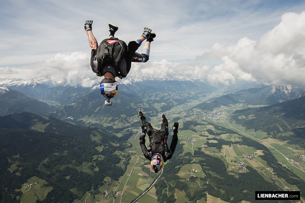 Marco Waltenspiel and Georg Lettner are tracking over Niederöblarn