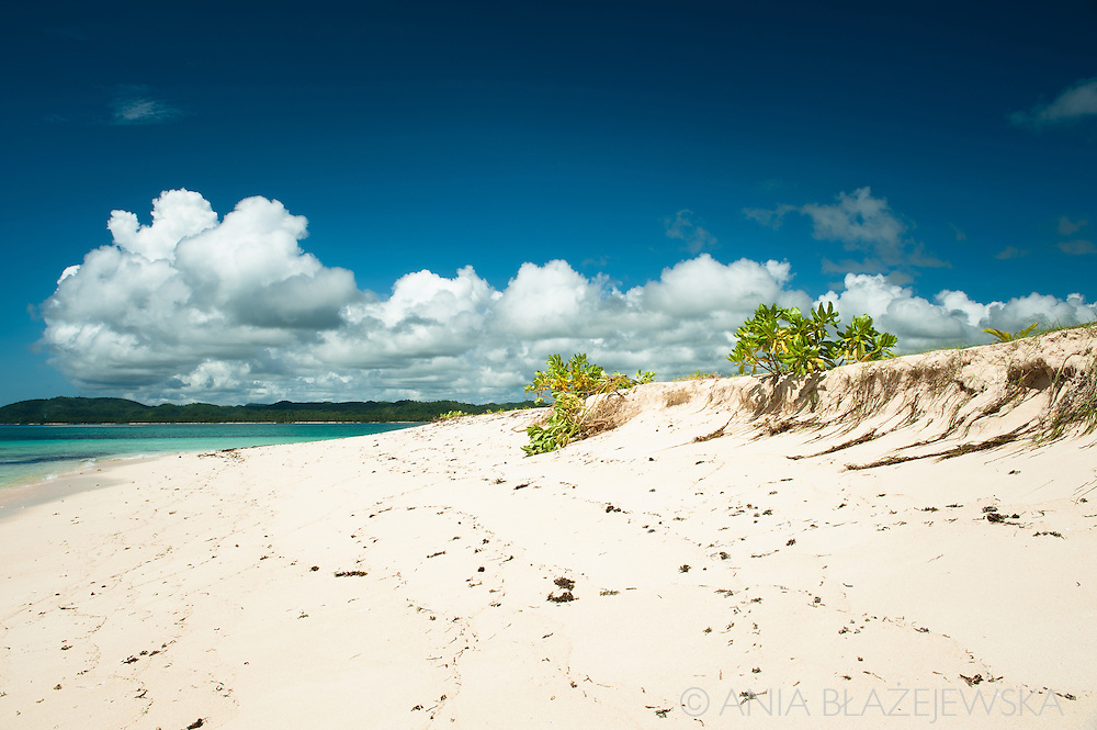 Philippines, Siargao. Beach on Naked Island, one of the tropical islands of the archipelago.