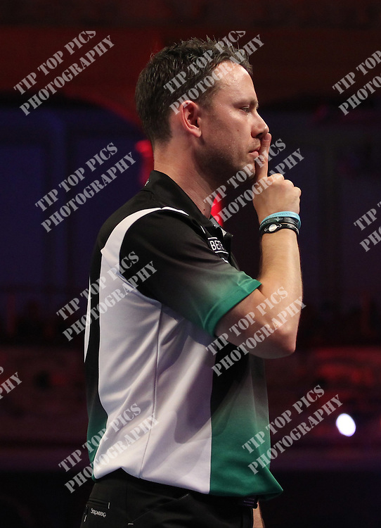 PDC WORLD MATCHPLAY 2014,2nd ROUND ,PAUL NICHOLSON, WES NEWTON ,PIC CHRIS SARGEANT,<br /> TIPTOPPICS