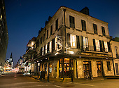NAPOLEON HOUSE SELECTS TONED 11.2015