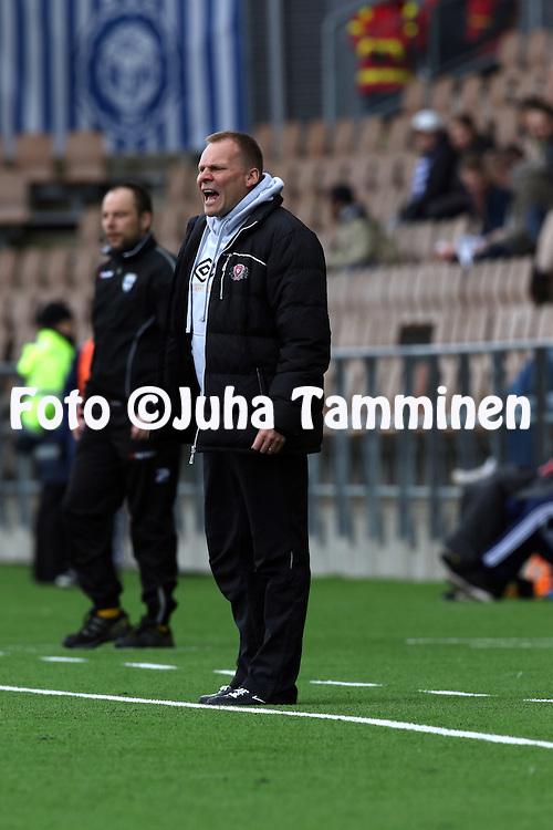 19.4.2015, Sonera stadion, Helsinki.<br /> Veikkausliiga 2015.<br /> Helsingin Jalkapalloklubi - FC Lahti..<br /> Valmentaja Toni Korkeakunnas - FC Lahti