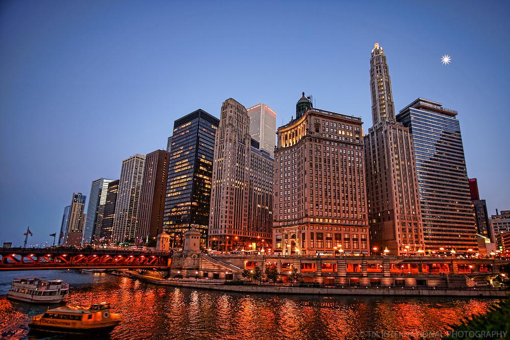 Chicago Riverwalk & Michigan Avenue Bridge