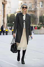FEB 26 2014 Fearne Cotton arriving at Radio 1