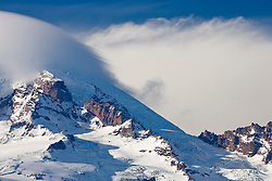 leading edge streaks of a Mount Rainier Lenticular cloud (Altocumulus standing lenticularis), Mount Rainier National Park, Washington, USA