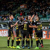 DEN HAAG - ADO Den Haag - Vitesse , Voetbal , Eredivisie , Seizoen 2016/2017 , Kyocera Stadion , 03-02-2017 , Spelers vieren de 0-1 van Vitesse speler Adnane Tighadouini (r)