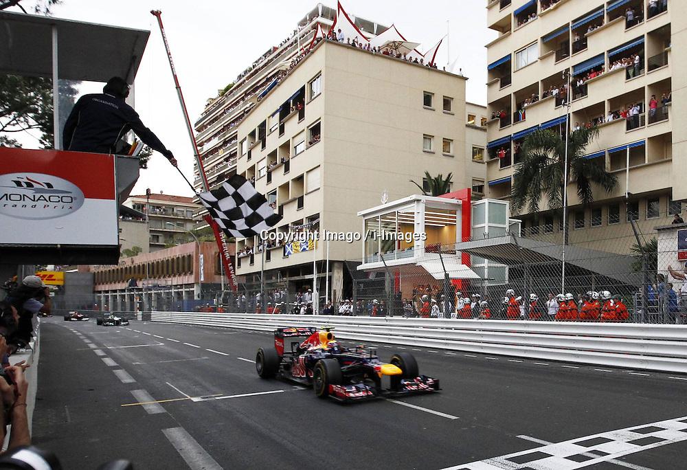 Mark Webber crosses line at Monaco Grand Prix, Sunday, 27th May 2012.   Photo by: Imago / i-Images