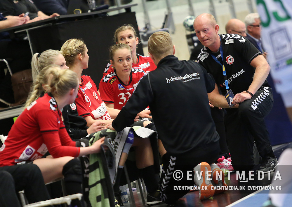 Team Esbjerg. EHF Champions League Main Round group match between Team Esbjerg and Györi Audi ETO KC in Blue Water Dokken, Esbjerg, Danmark, 5.02.2017. Photo Credit: Allan Jensen/EVENTMEDIA.