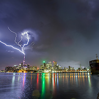 http://Duncan.co/cn-tower-lightning-02/
