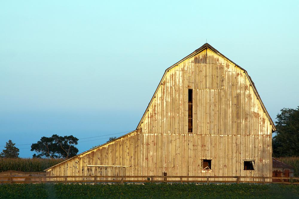 An old barn on a farm in rural Illinois.